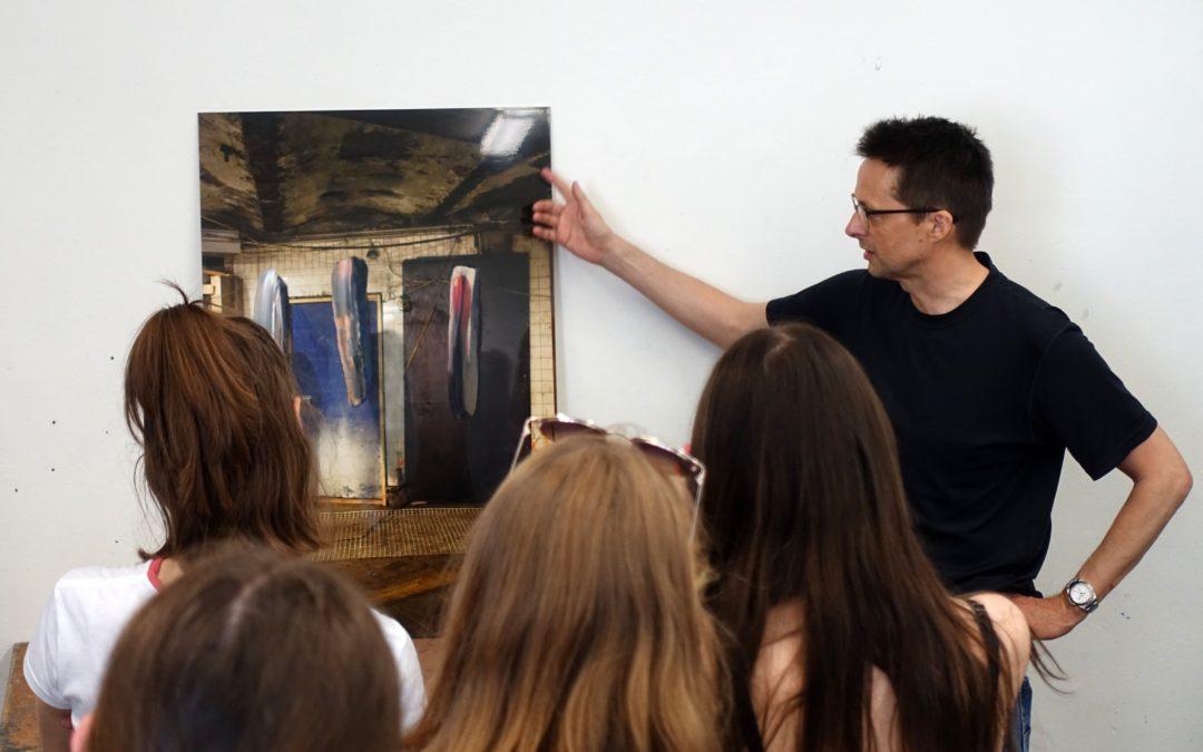Marc Lüders explains one of his works